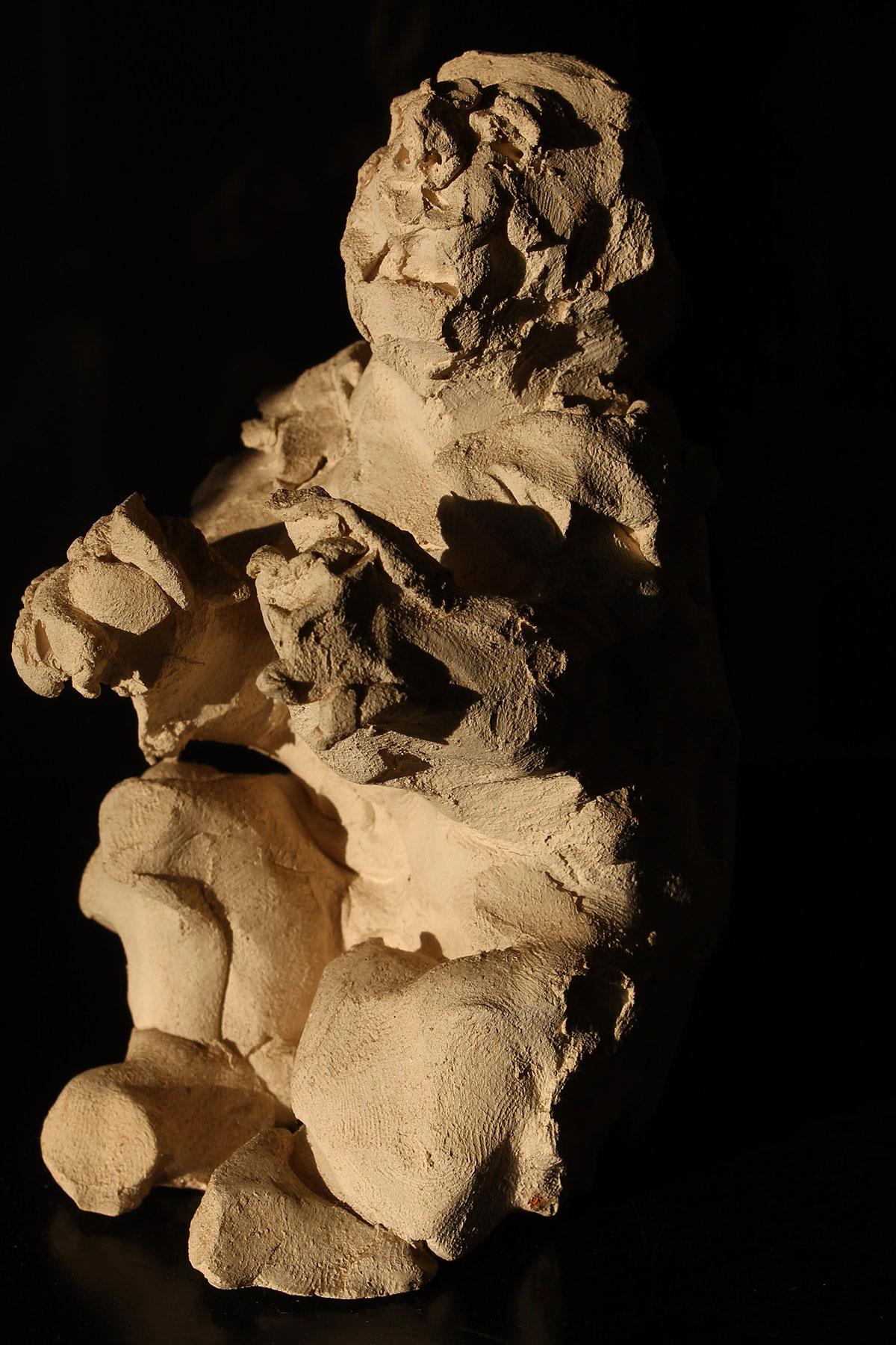Homme accroupi, 2009, terre cuite, 13 x 8 cm.