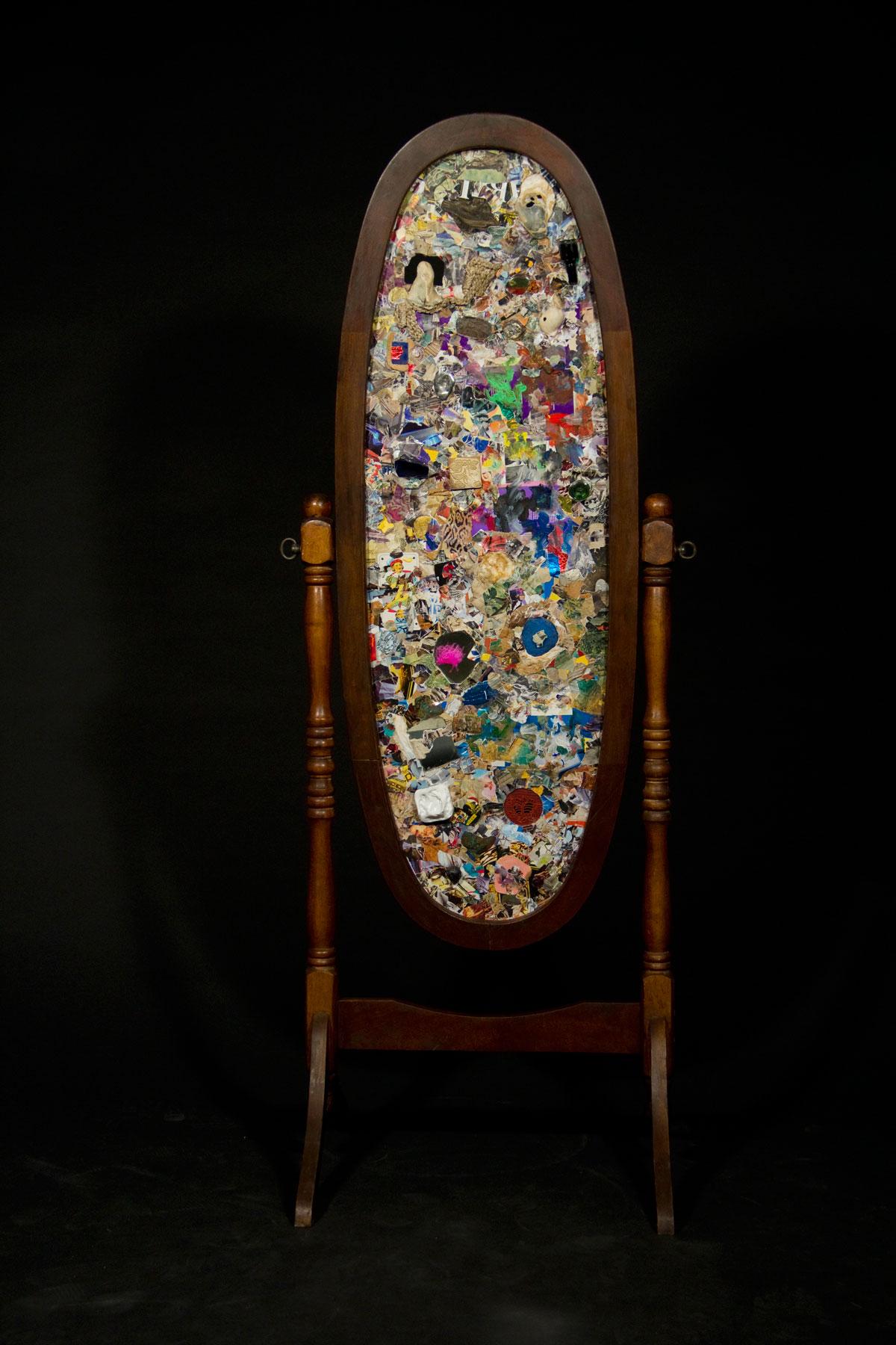 "Philippe Briard - Psyché ""la terre est plate"", 2011, collage acrylique, 111 x 34 cm"