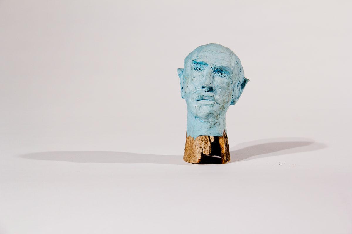 Philippe Briard - Tête bleue, 2007, papier mâché, os